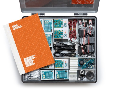 Vue des éléments du starter-kits Arduino CTC 101 Program Full AKX00002SL