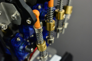 Détail de la main DFRobot ROB0142 et ROB0143
