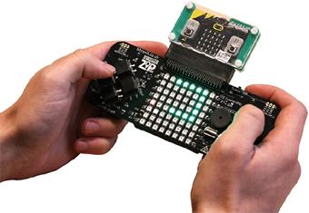 Exemple d'utilisation de la platine GAME ZIP 64 avec une carte micro:bit